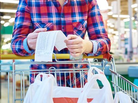 Istat: continua il calo dei consumi  ma è boom dell'on-line