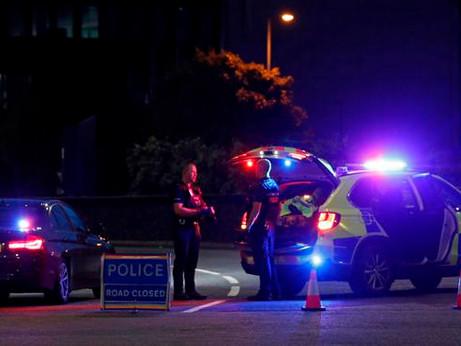 Con il coltello fa tre morti e tre feriti: Inghilterra è incubo, forse terrorismo