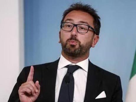 Bonafede mina il governo ma Renzi lo salverà