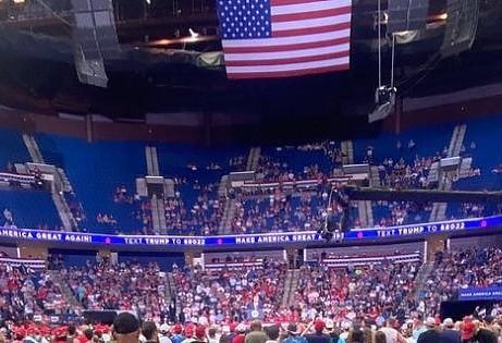 I ragazzi con TikTok mandano in soffitta Trump