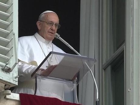 Il Papa implora la pace per la Libia