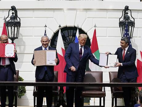 """Trump con la """"pax americana"""" mina la pace in Palestina"""