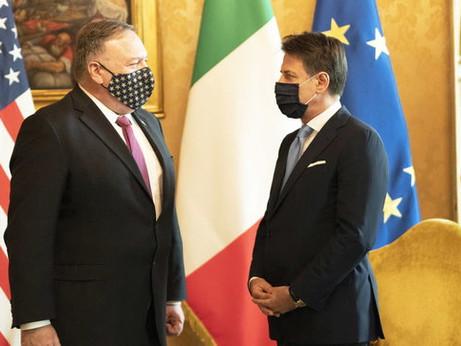 Gelo tra Usa e Vaticano, America e Cina si contendono l'Italia che intanto va avanti