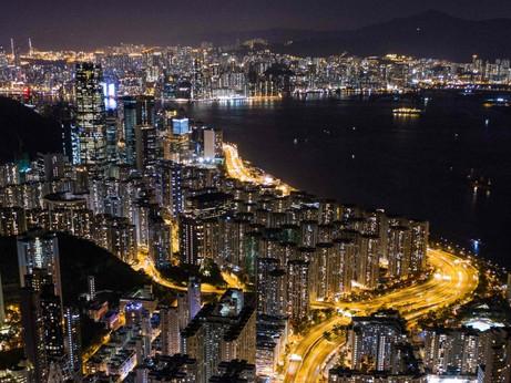 Guerra di nervi tra Hong Kong e Londra: offerte 300 mila cittadinanze inglesi