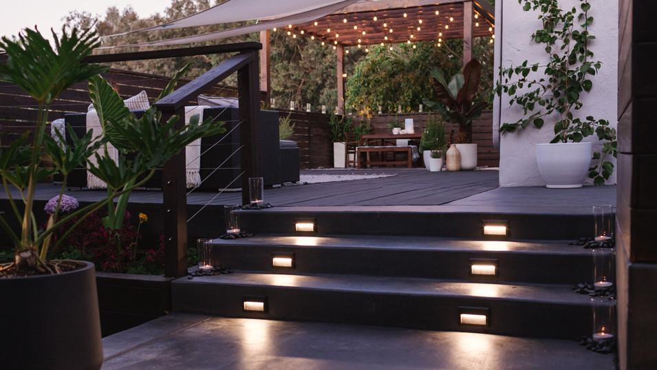 Modern deck and pergola
