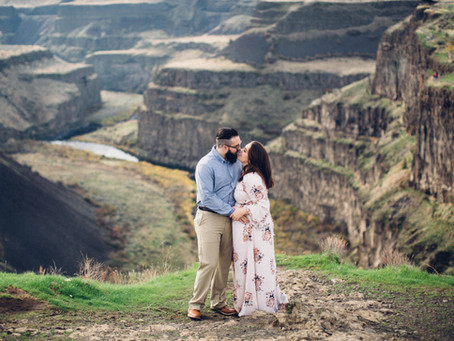 M & E | Palouse Falls Engagement Session