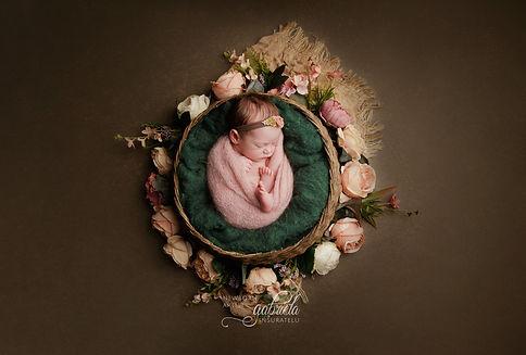Sesiune foto nou nascut in Iasi. Fotograf nou nascuti în Iasi