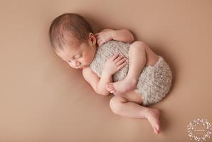 Silvestru, o minune de băiețel la 18 zile