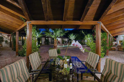 Outdoor courtyard dining