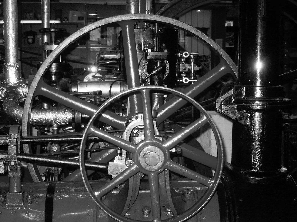 Dampfmaschine-007_edited.jpg