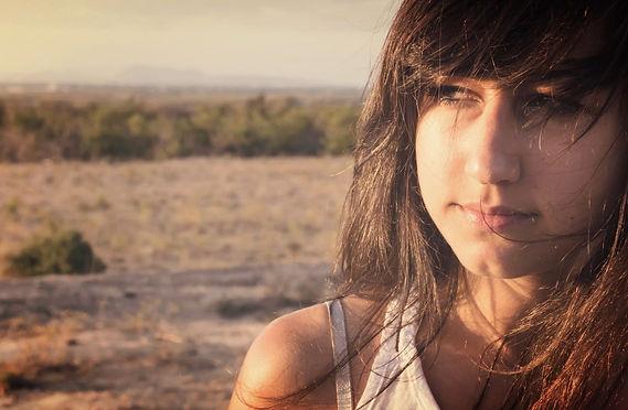 Portrait Frau in Spanien nachdenklich