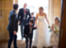 bride and groom arrive at Coombe lodge