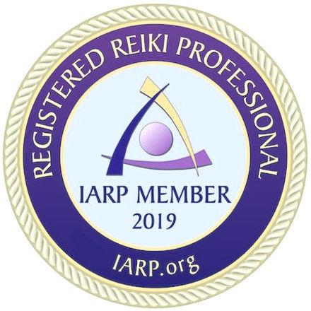 IARP-Professional-Member-2019-reiki-badge_edited.jpg