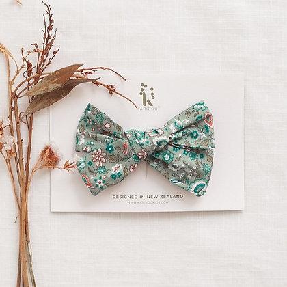 Karibou ||  Poppy Bow Clip | floral