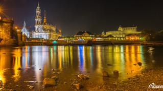 Dresden bei Nacht am Tag der deutschen Einheit 2016