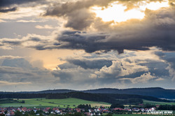 Wolkenspiele über Külte