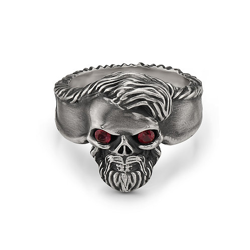 Skull Ring w/Diamonds