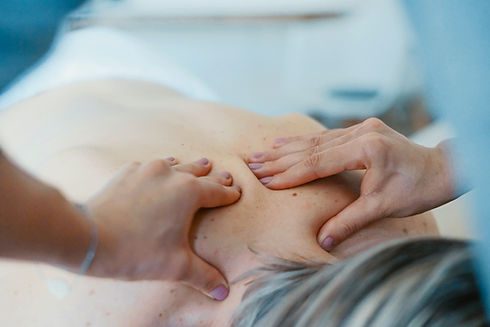 Upper back massage therapy