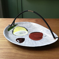FRUIT DISH WITH HANDLE