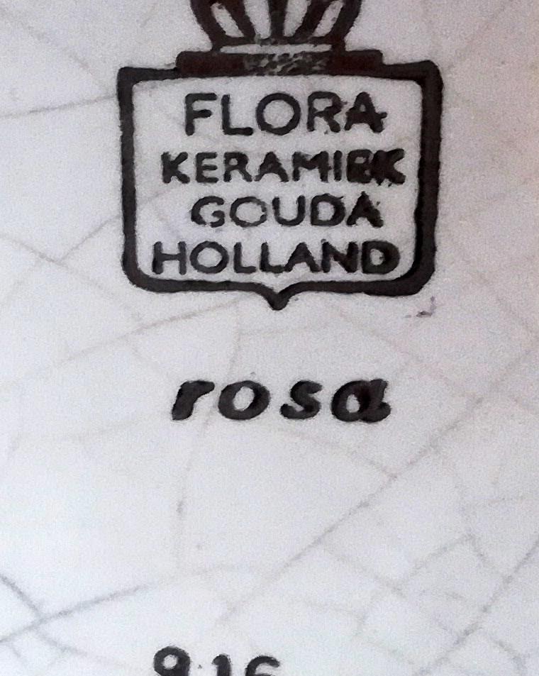 FLORA GOUDA - VASE ROSA 1969 c.jpg