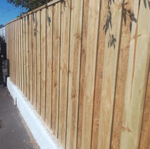 Double Overlap Paling Fence ontop of concrete wall