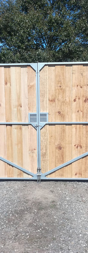 Rear View of 1.8m Double Overlap Driveway Gates