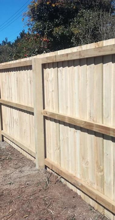 Single Overlap Paling Boundary Fence