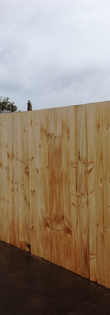 New Curved Single Overlap Fence