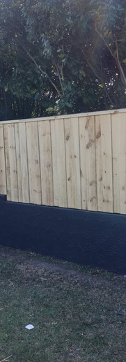 1.8m Double Overlap Front Fence