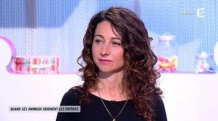 Sandie Bélair, psychologue à Bordeaux, invitée experte sur le plateau de l'émission Les Maternelles (France 5) en mars 2016