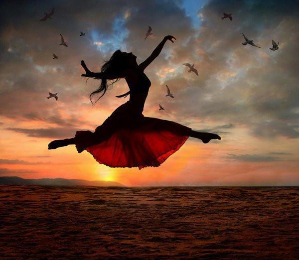 woman-flying-over-sea
