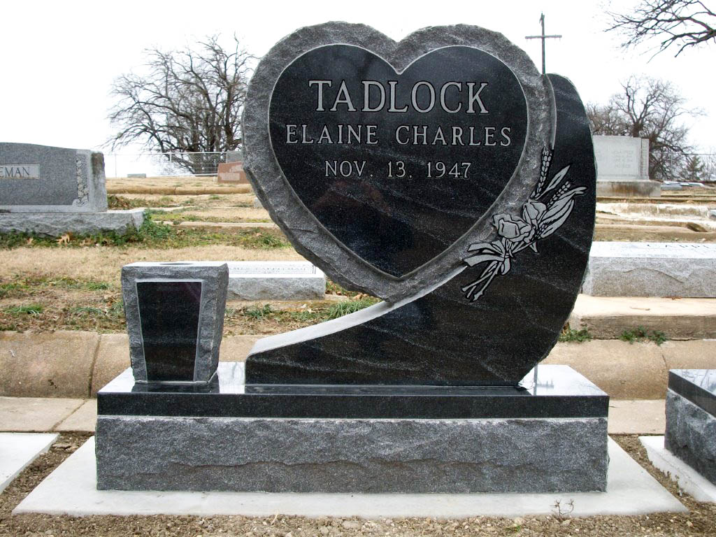 American Black Granite Heart Monumen