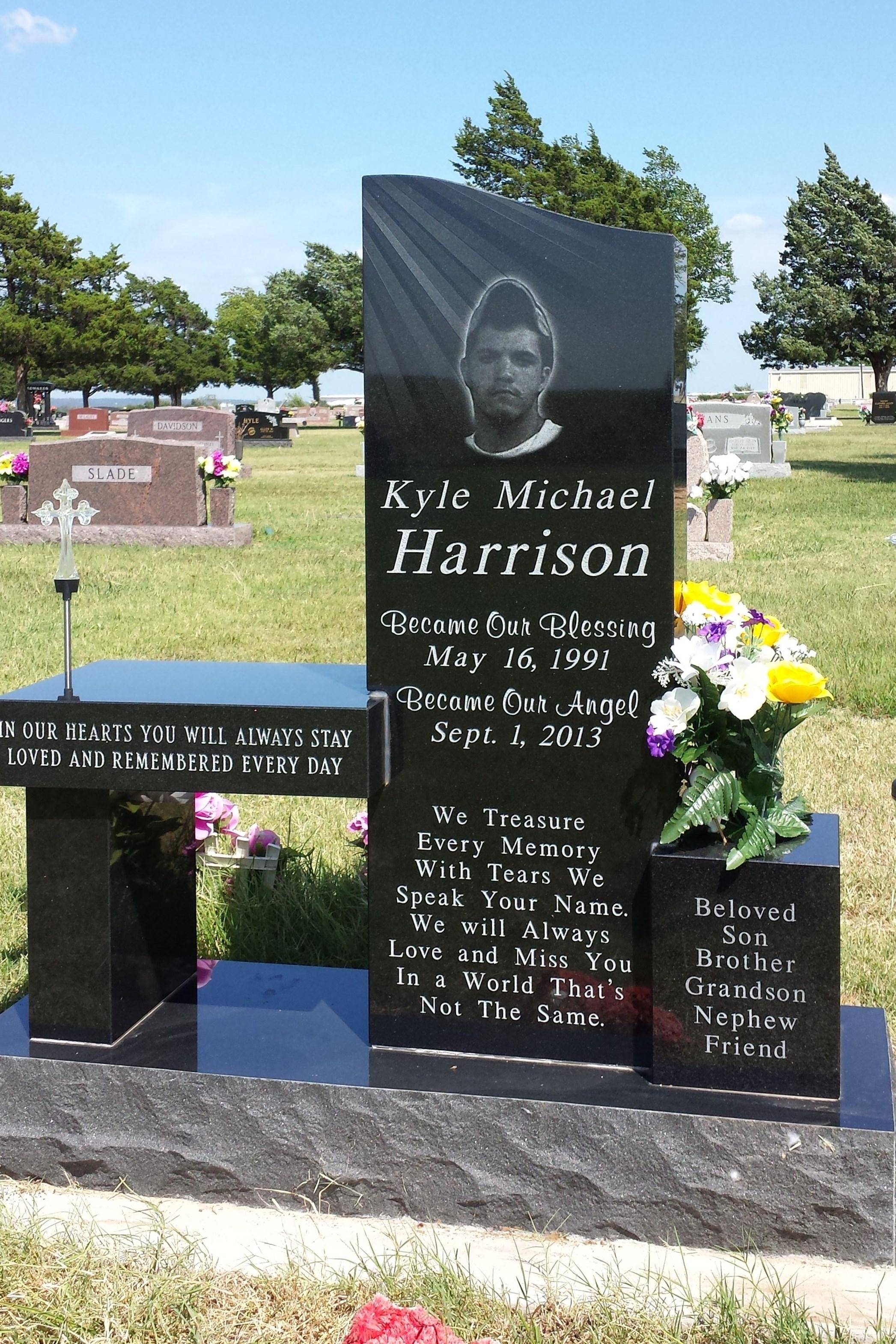 Black Granite Cemetery Monument Benc