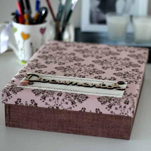 Caixa para Documentos com Estampa Rosa e Marrom