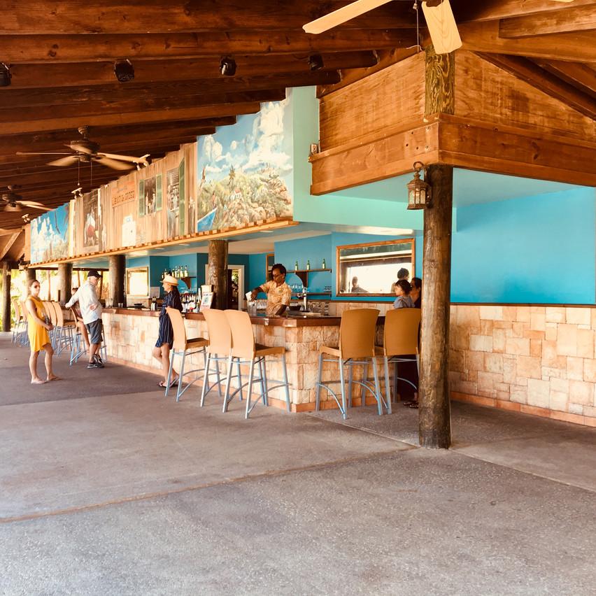 bar, Voyages Isana