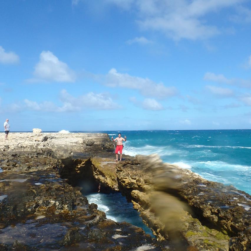 Devil's bridge Antigua,Voyages Isana