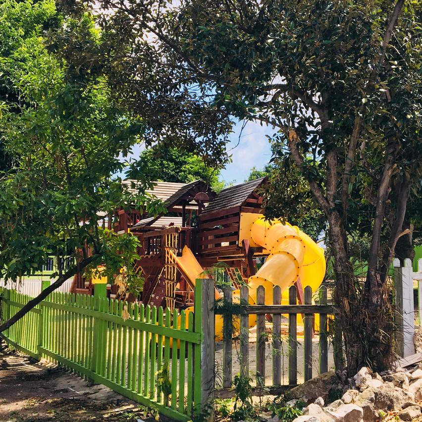 Section pour enfants, Voyages Isana