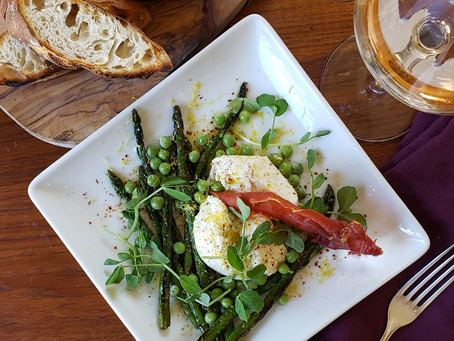Burrata, Asparagus & Crispy Prosciutto Salad