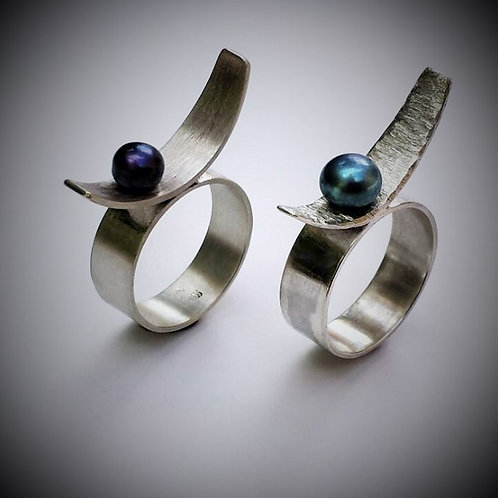 Freshwater Pearl Contemporary Ring