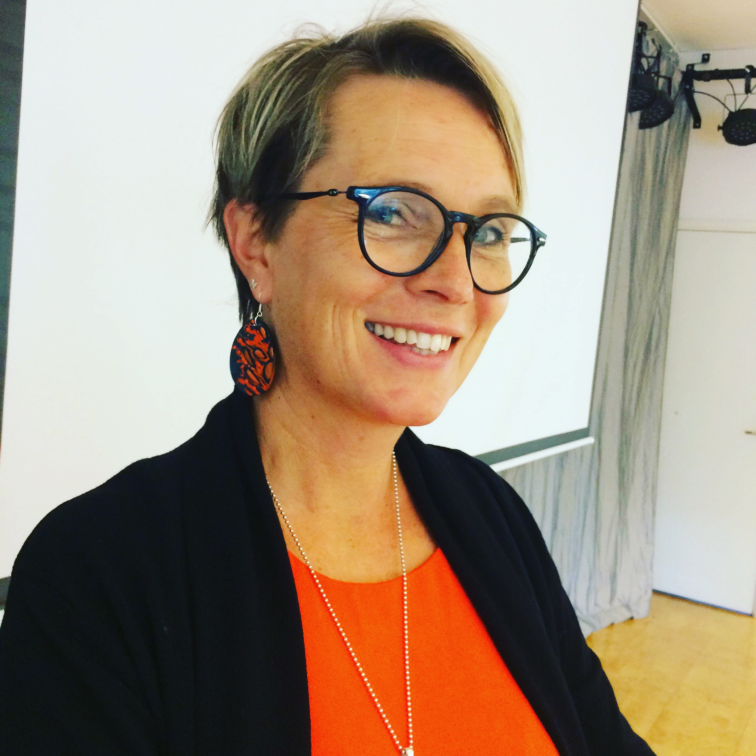 Pernilla rocking Orange!