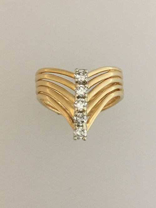 10k Yellow Gold .30 TW Diamond Ring Size - 6 1/2