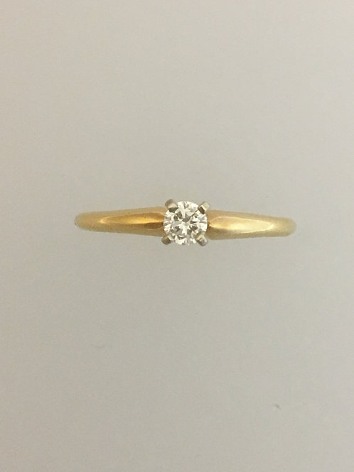 14k Yellow Gold .20 Diamond Ring Size - 6