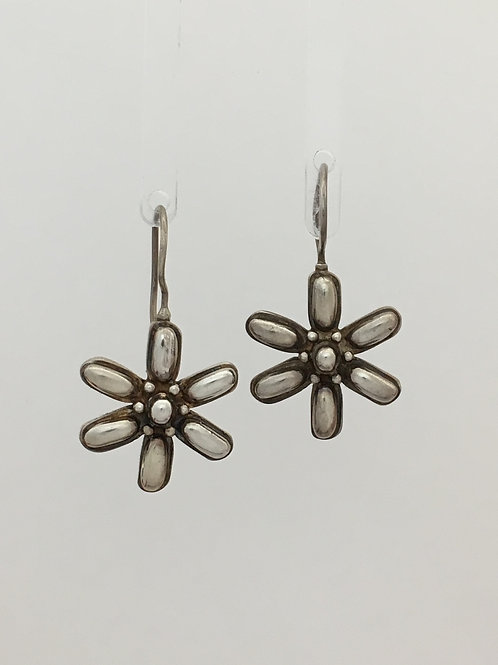 925 Flower Shape Earrings