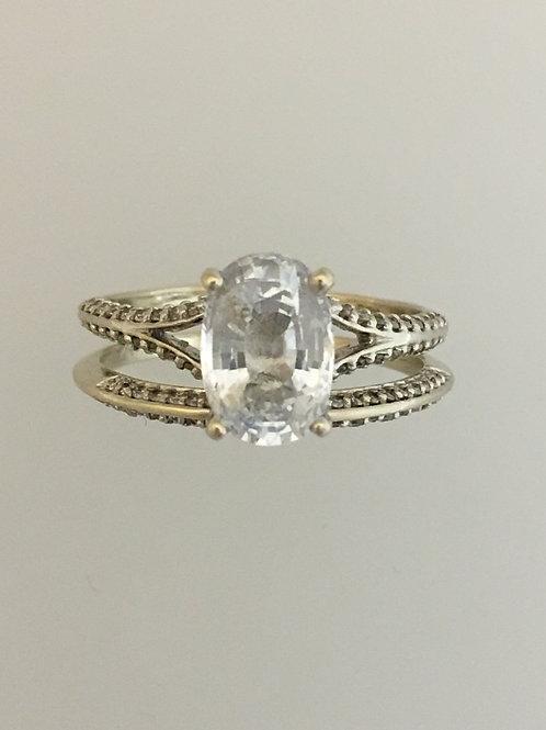 14k White Gold White Sapphire Ring Size - 7