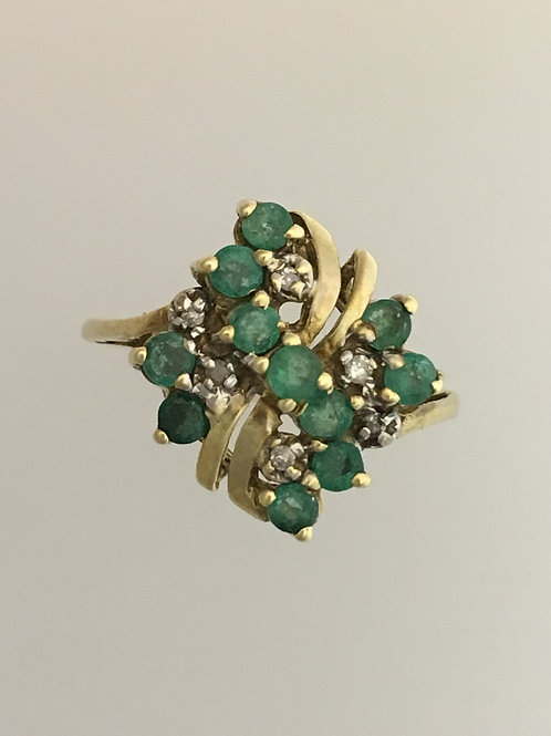 10k Yellow Gold .40 Emerald and .04 Diamond Ring Size - 6 3/4