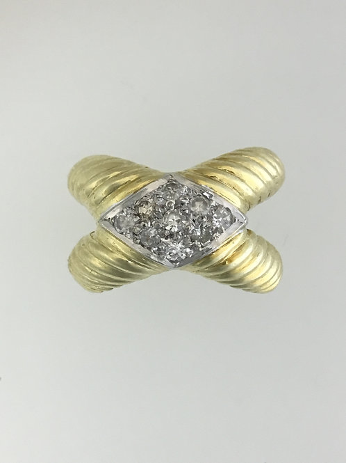 18k Yellow Gold and .20 Diamond Ring Size - 5 3/4