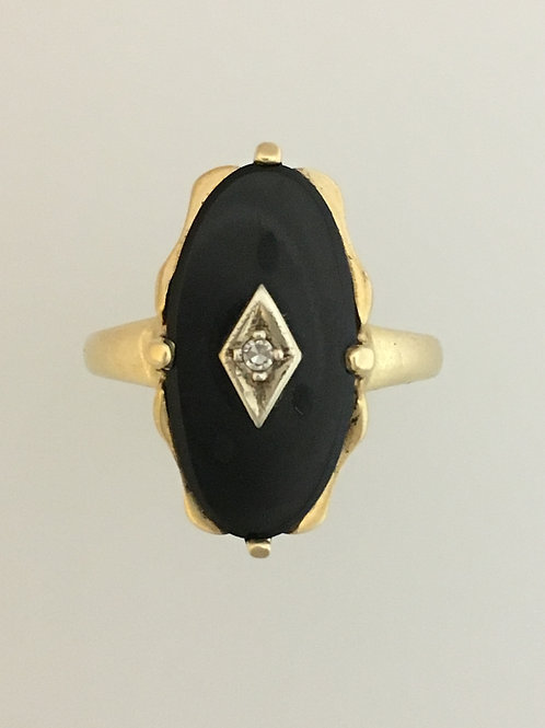 10k Yellow Gold Onyx and Diamond Ring Size - 7 3/4