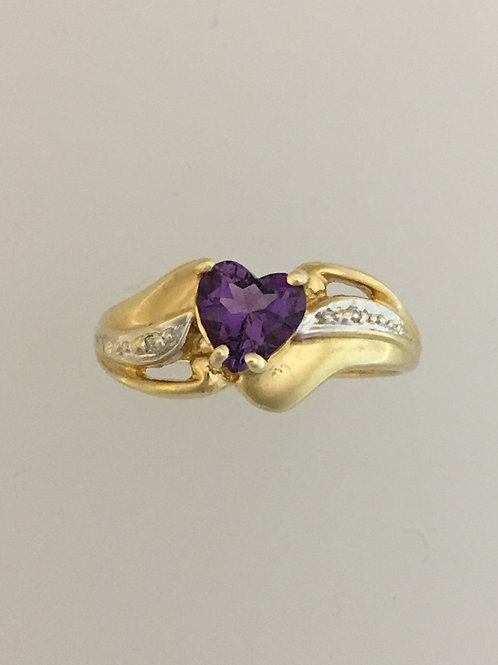10k Yellow Gold .01 Diamond and Amethyst Ring Size - 6 1/2