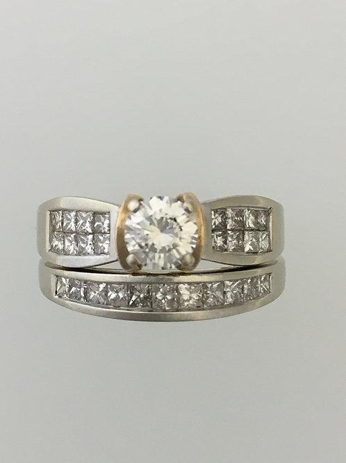 14k White Gold .60 CS 1.90 TW Diamond Ring Size - 7