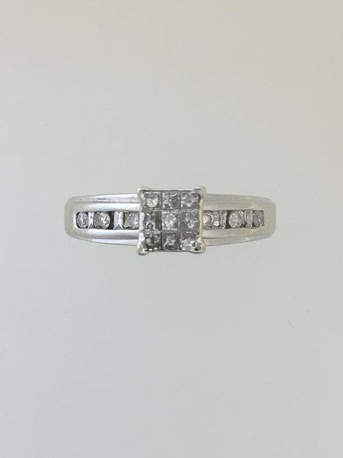 10k White Gold  .50 TW Diamond Ring Size  - 6